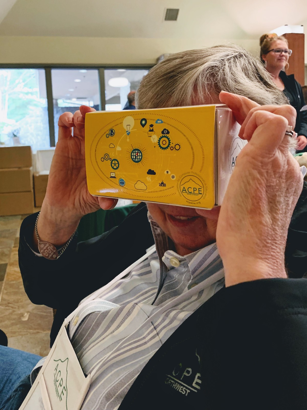 ACPE attendee with VR viewer